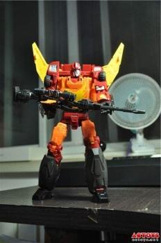 [DX9 Toys] Produit Tiers - Jouet D-06 Carry aka Rodimus et D-06T Terror aka Black Rodimus - Page 2 AEoPF65i