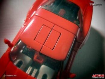 [Masterpiece] MP-25L LoudPedal (Noir) + MP-26 Road Rage (Rouge) ― aka Tracks/Le Sillage Diaclone - Page 2 Buxp3Icf