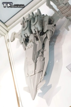 [Mastermind Creations] Produit Tiers - R-17 Carnifex - aka Overlord (TF Masterforce) FbEgnkVC