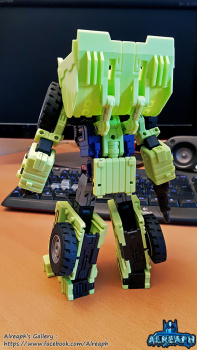 [Toyworld] Produit Tiers - Jouet TW-C Constructor aka Devastator/Dévastateur (Version vert G1 et jaune G2) - Page 6 IeFpUiwX