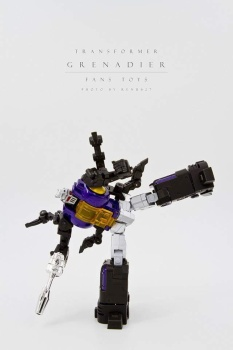 [Fanstoys] Produit Tiers - Jouet FT-12 Grenadier / FT-13 Mercenary / FT-14 Forager - aka Insecticons - Page 2 Jkok9wJW