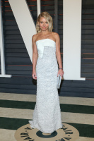 """Kelly Ripa """"2015 Vanity Fair Oscar Party hosted by Graydon Carter at Wallis Annenberg Center for the Performing Arts in Beverly Hills"""" (22.02.2015) 48x  P8d4HPiu"""