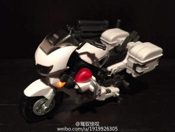 [MakeToys] Produit Tiers - Jouet MTCM-04 Guardia (aka Protectobots - Defensor/Defenso) - Page 2 SimHSwIT