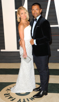 """Kelly Ripa """"2015 Vanity Fair Oscar Party hosted by Graydon Carter at Wallis Annenberg Center for the Performing Arts in Beverly Hills"""" (22.02.2015) 48x  XFheRgsZ"""