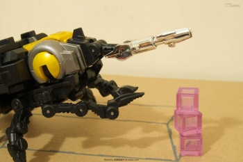 [Fanstoys] Produit Tiers - Jouet FT-12 Grenadier / FT-13 Mercenary / FT-14 Forager - aka Insecticons - Page 2 YkNNY4Ib