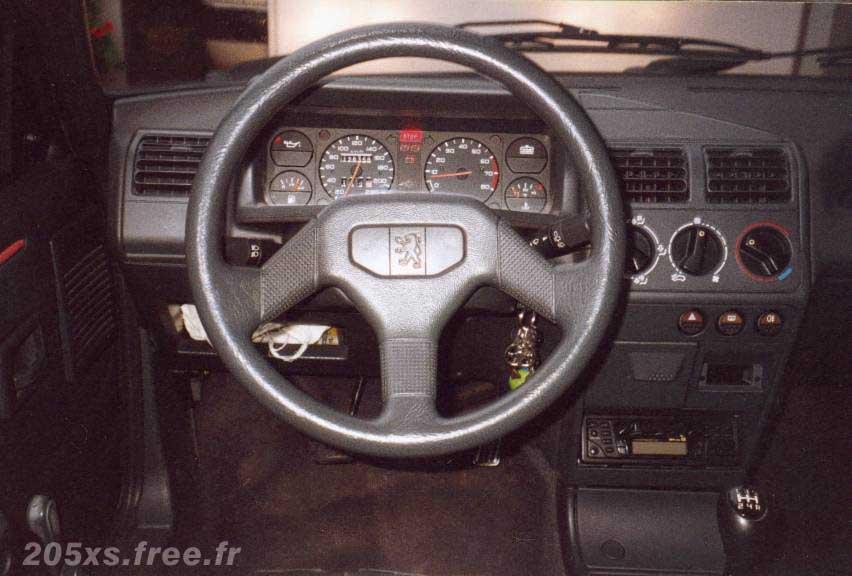 Remise en route voiture suite a longue immobilisation Interieur205XS-AM89