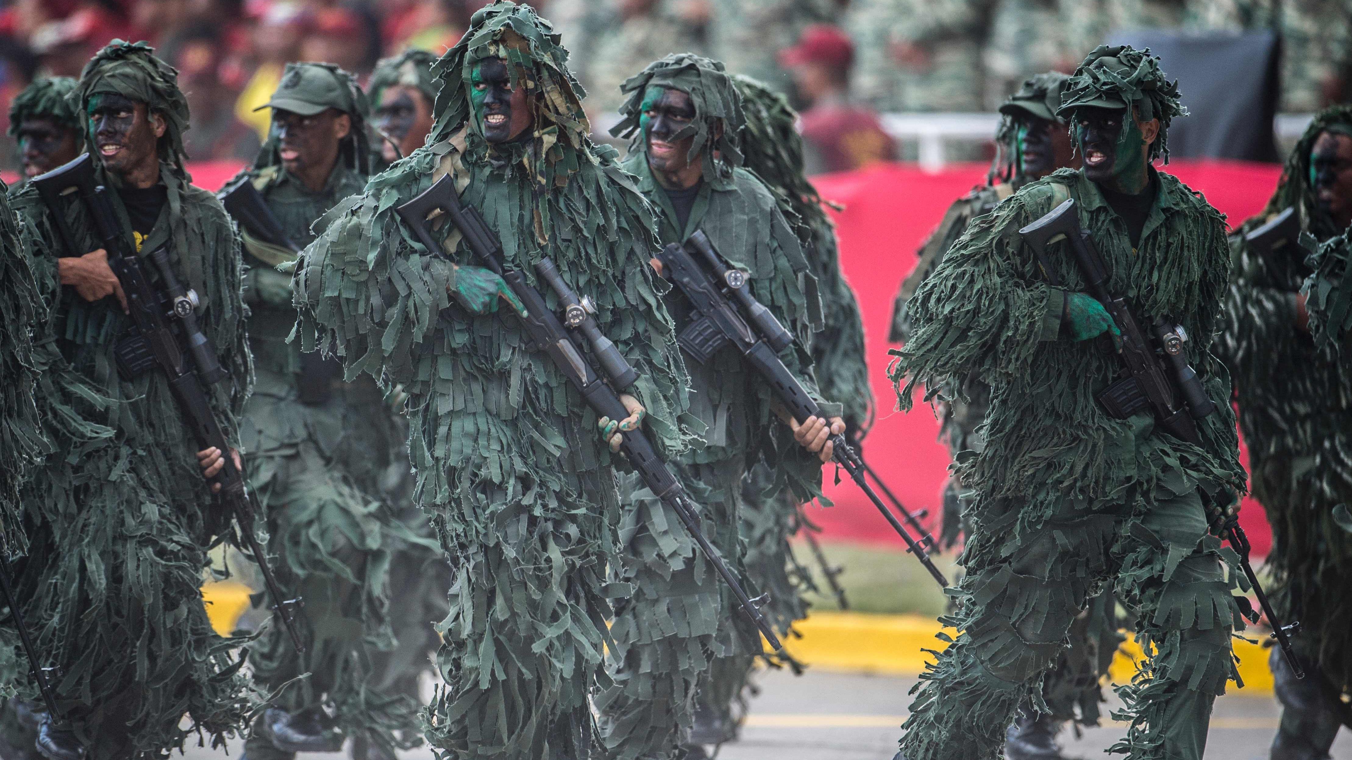 Venezuela Armed Forces - Page 2 01005717