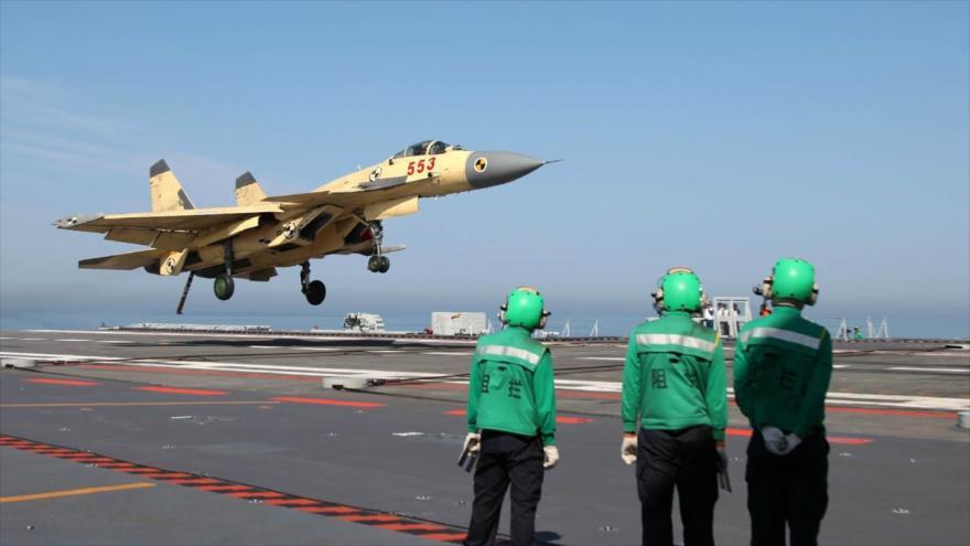 Siria - Tres barcos de guerra chinos cruzan Canal de Suez rumbo hacia costa siria 14442533_xl