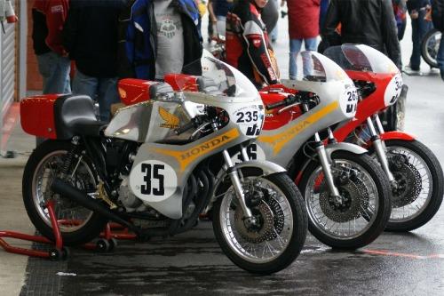 P'tite Honda de course AFr1I5w1npevpim2r3bPUIZHo1_500
