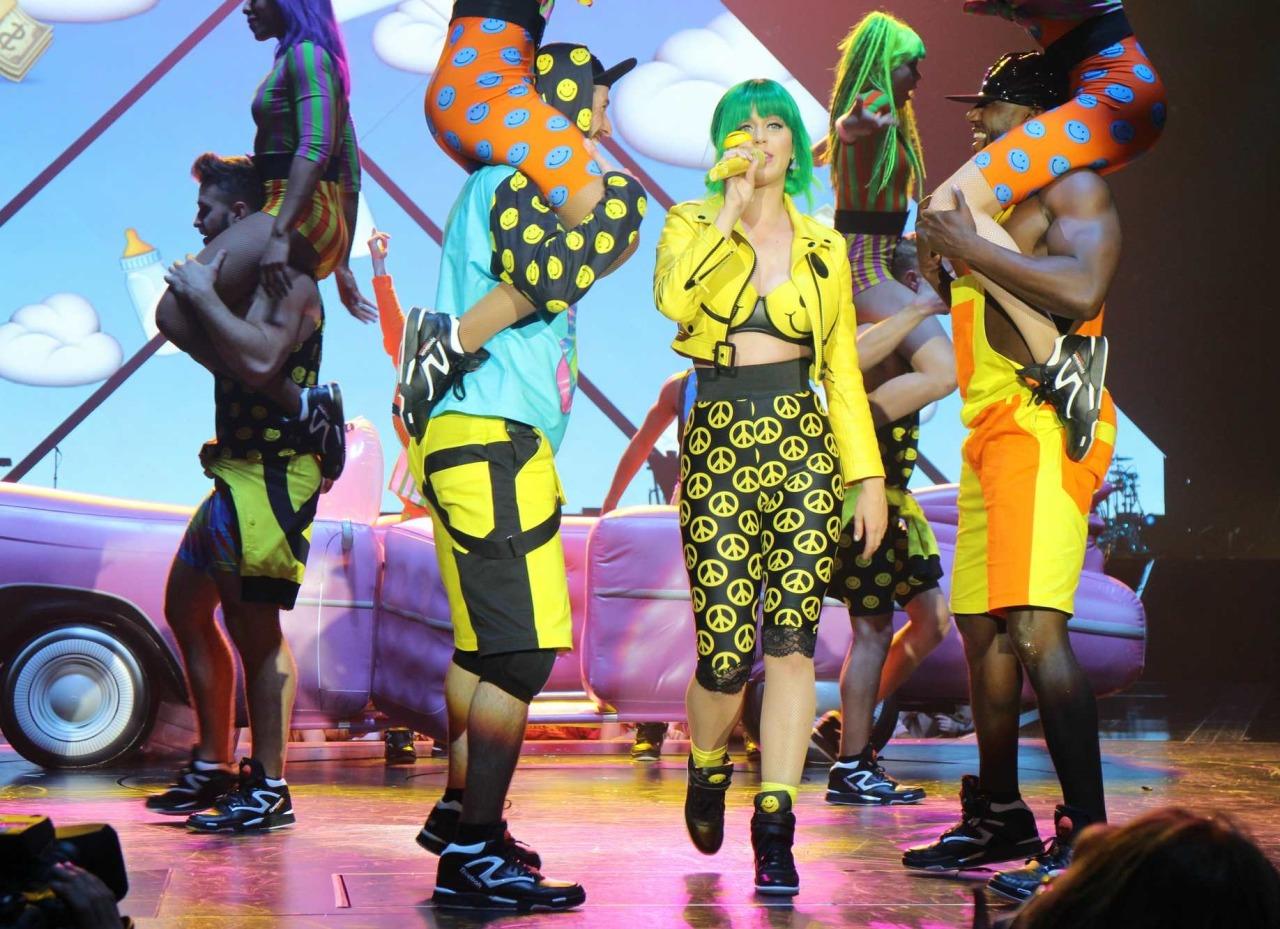Katy Perry >> The Prismatic World Tour Tumblr_n58y4xKX7V1qc70kwo6_1280