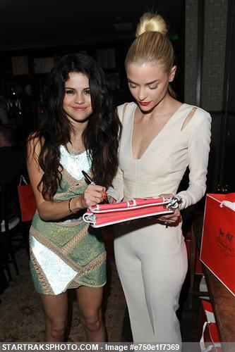 Selena Gomez[6] Tumblr_mhfmn7OAxB1rq31q9o5_400