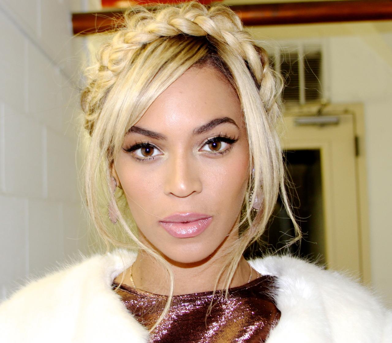 Beyoncé - Twitter (@Beyonce), Instagram (Baddiebey), Tumblr (I Am...) [II] - Página 3 Tumblr_n0z02kOoA21rqgjz2o1_1280
