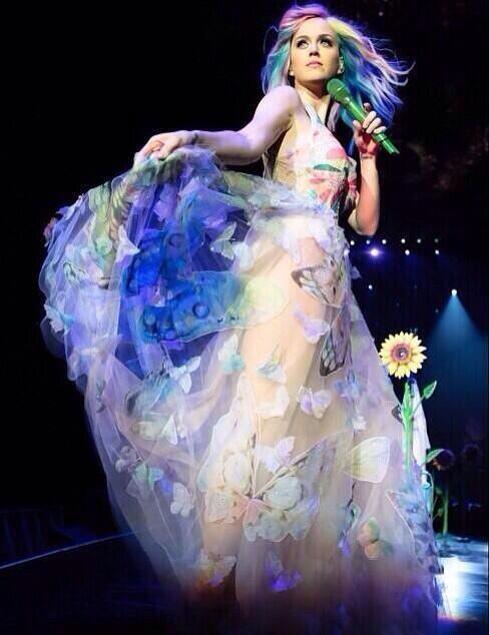 Katy Perry >> The Prismatic World Tour Tumblr_n58y8vEPcx1qc70kwo8_r1_500
