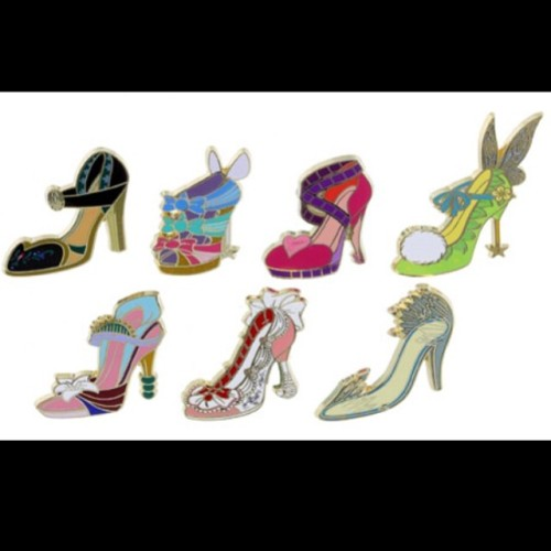 Chaussures miniatures disney (ornement) - Page 5 Tumblr_n6mf2vLW9i1qbltquo1_500