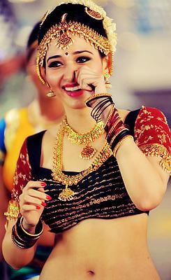 Tamannaa Bhatia - Stránka 9 Tumblr_mi41nvsnZ01rvqn15o3_250
