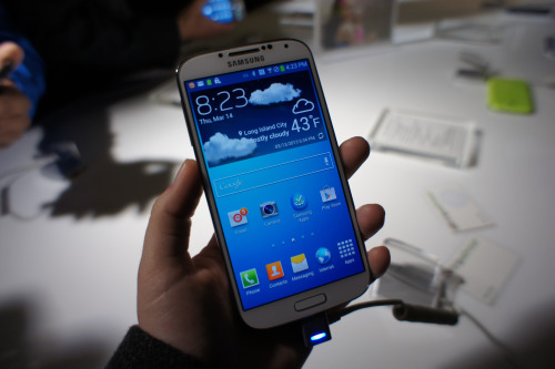 Productos >> Samsung - Página 2 Tumblr_mjohezrpGq1qz4cuyo1_500