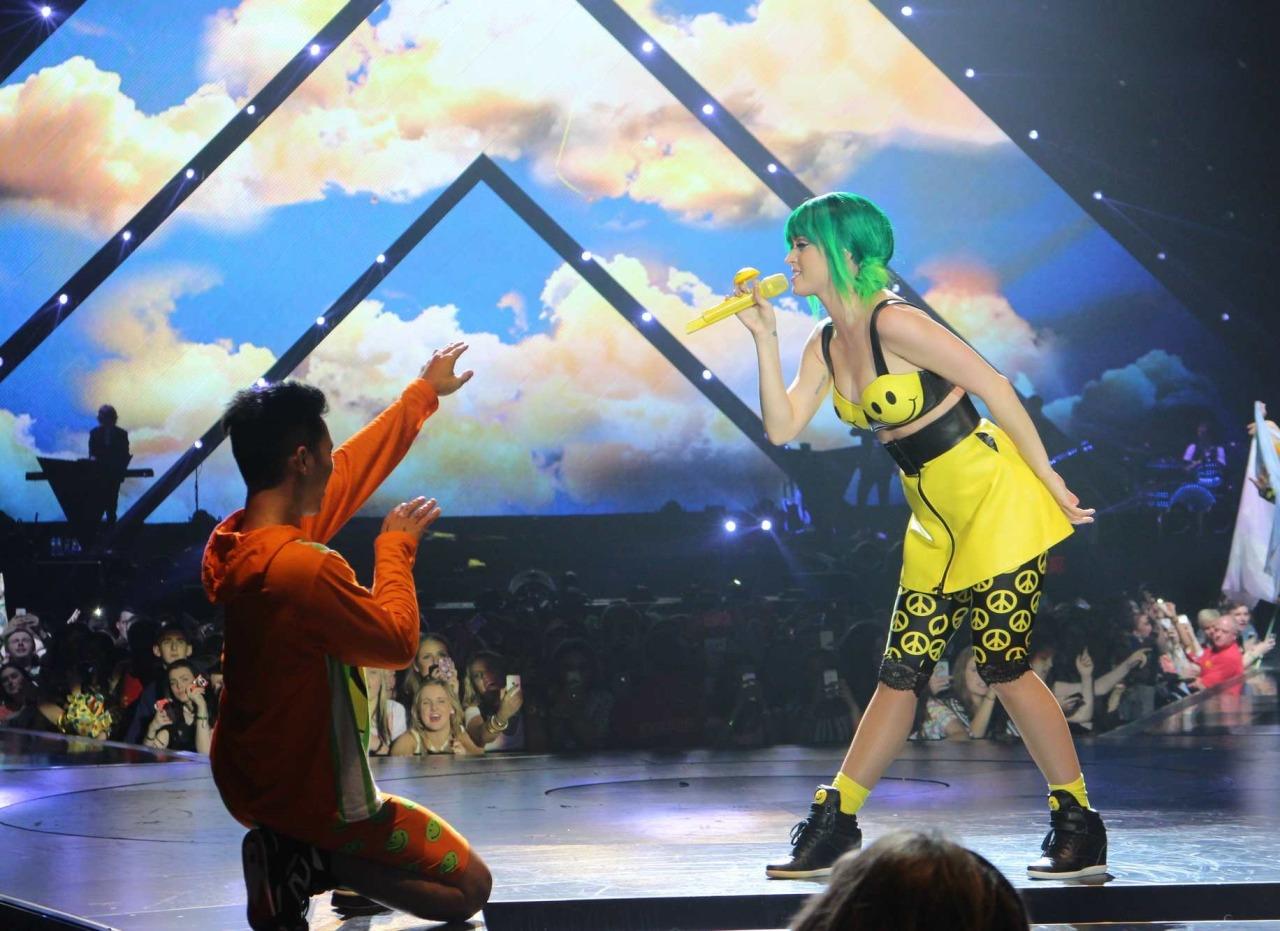Katy Perry >> The Prismatic World Tour Tumblr_n58y4xKX7V1qc70kwo5_1280