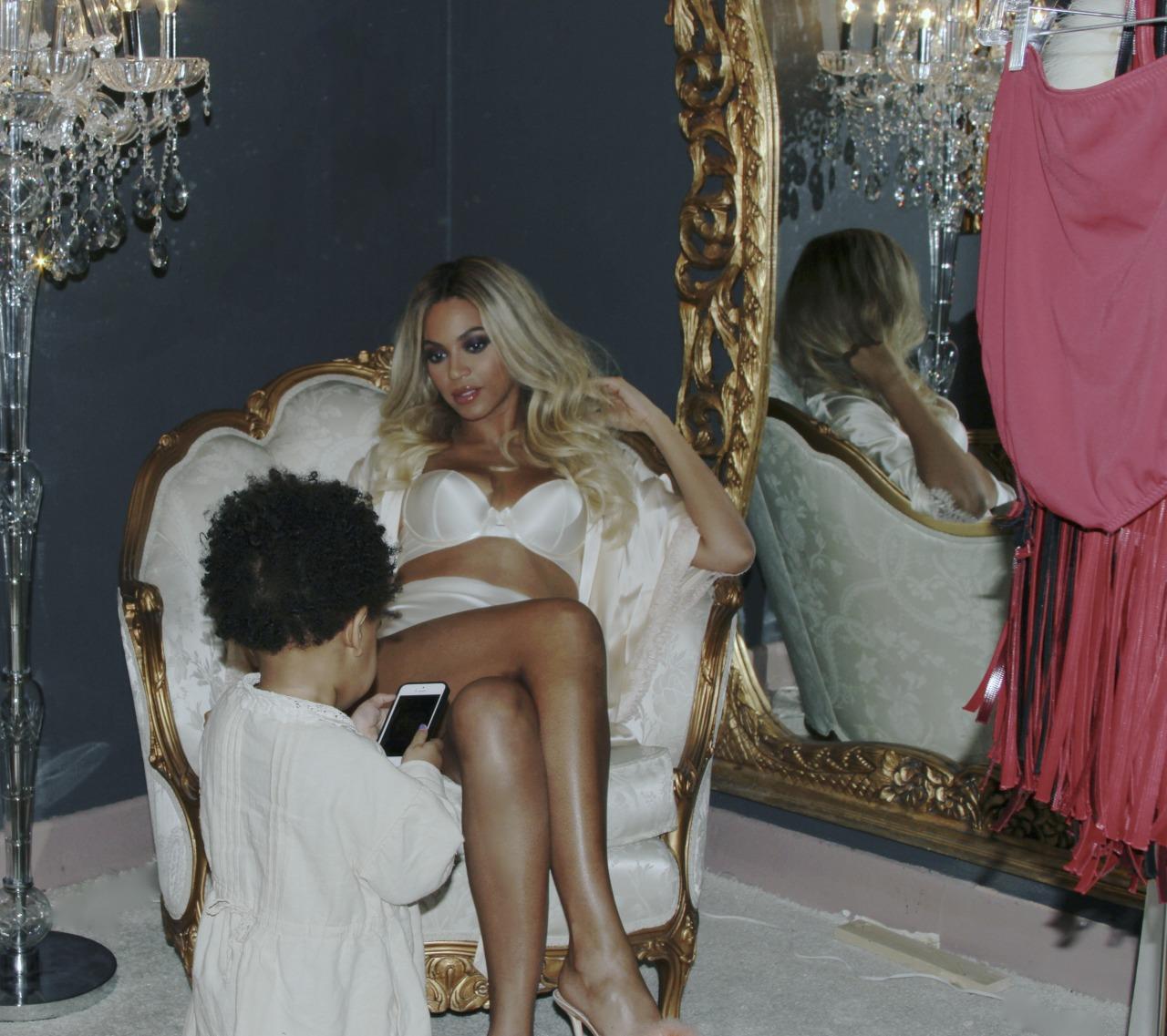 Beyoncé - Twitter (@Beyonce), Instagram (Baddiebey), Tumblr (I Am...) [II] - Página 2 Tumblr_n0i5d9LuzW1rqgjz2o1_1280