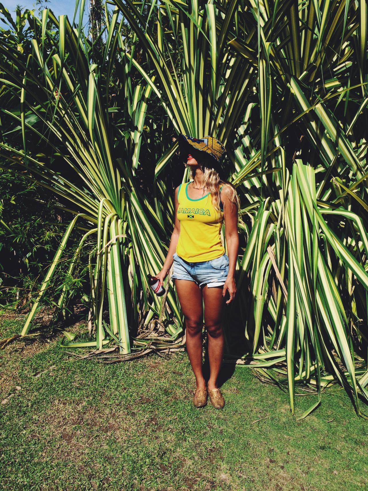 Beyoncé - Twitter (@Beyonce), Instagram (Baddiebey), Tumblr (I Am...) - Página 49 Tumblr_mx9eeaOSP21rqgjz2o1_1280