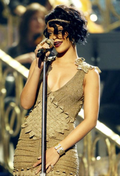 Fotos anteriores de Rihanna [3] > Apariciones, Photoshoots... - Página 10 Tumblr_mvfwhttKR71r61tj3o1_500