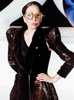 Lady Gaga >> artRave [10/11/13] Tumblr_mw2syd6Ddu1qdmb8eo3_r1_250