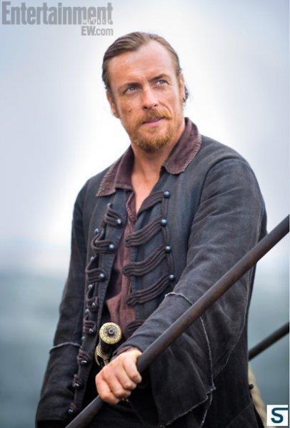 Black Sails, une série de pirates avec Toby Stephens ! Tumblr_mlzqqaMAQY1rpqfi7o1_500