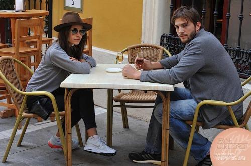 Mila Kunis and Ashton Kutcher. Tumblr_mmbz0qyiUn1rd8bcro1_500