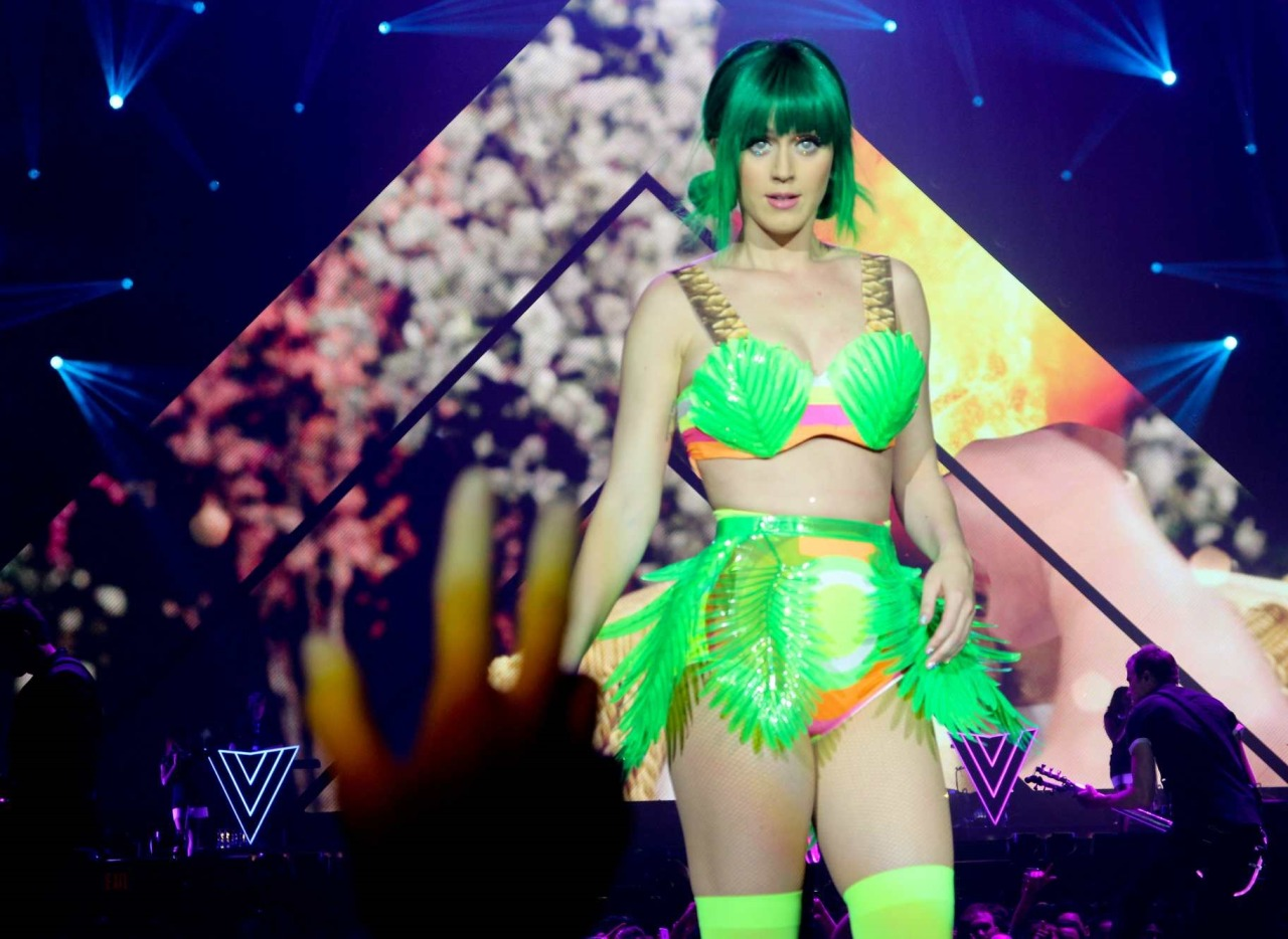 Katy Perry >> The Prismatic World Tour Tumblr_n58y8vEPcx1qc70kwo3_1280
