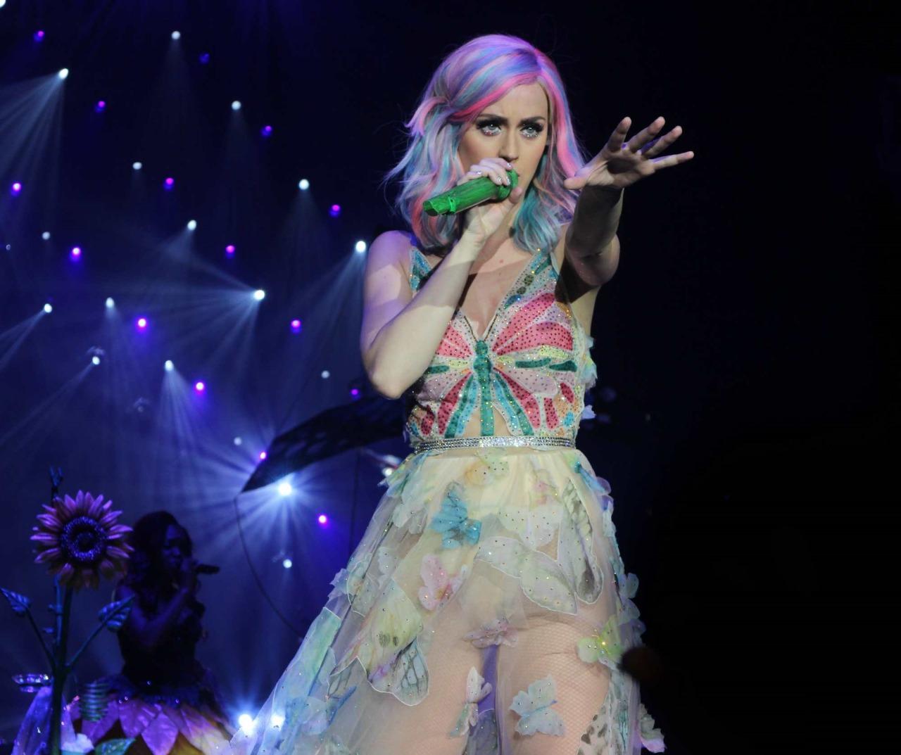 Katy Perry >> The Prismatic World Tour Tumblr_n58y4xKX7V1qc70kwo3_1280
