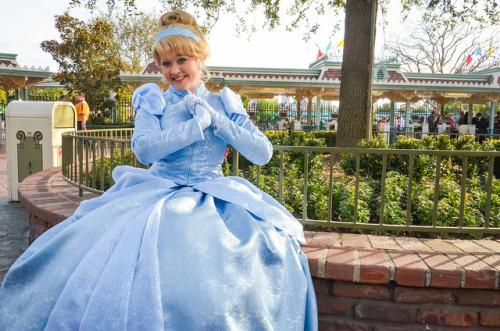 Nouvelles robes pour les princesses? - Page 4 Tumblr_mhvtl87pDi1r1ccu6o1_500