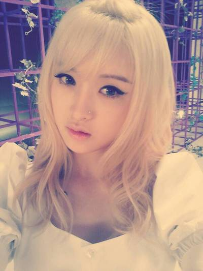 [PICS] Favorite Hairstyle/Color Tumblr_mo6bb1NlNI1qzk5tao1_400