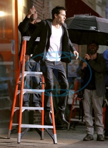 Jared Leto dans une pub Hugo Boss - Page 4 Tumblr_labzmbrgvm1qc5nplo1_400