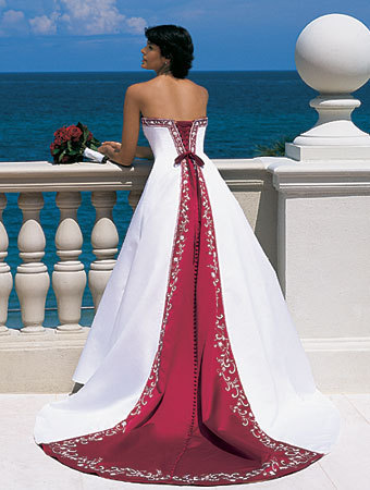 Wedding Dresses. - Page 2 Tumblr_ldhcc4Uit11qausdfo1_400