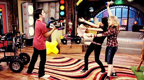 iCarly [serial]. - Page 39 Tumblr_ljfnqjRFnR1qg64bjo1_500
