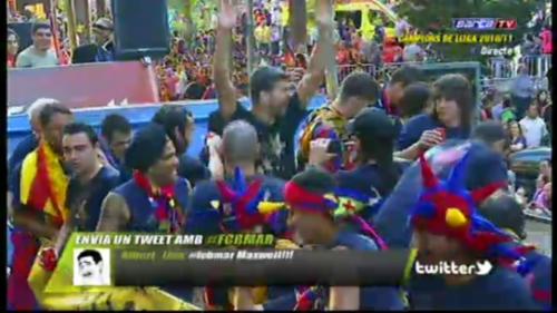 صور اضافية احتفال لاعبي برشلونة باللقب روعة  Tumblr_ll5bciYYp11qeipgio1_500