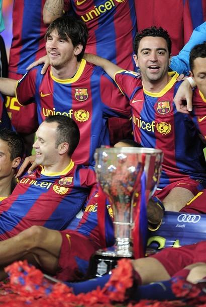 """القائدان يرفعان كأس الليغا وتتويج مميز للكتلان""""صور""""  Tumblr_ll9co5IeEZ1qdxgrdo1_500"""