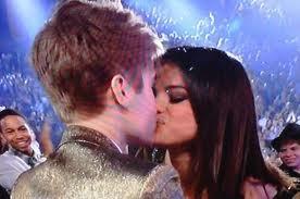Justin Bieber and Selena Gomez Tumblr_lmftehRi8o1qj5u5ao1_400
