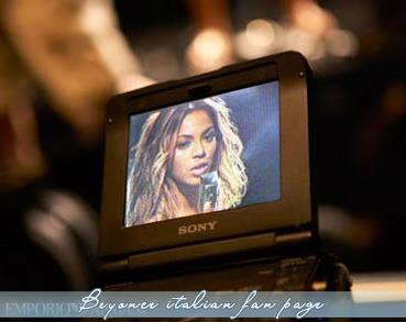 Beyonce. <3 Tumblr_loc3koyX0O1qa62ako1_400
