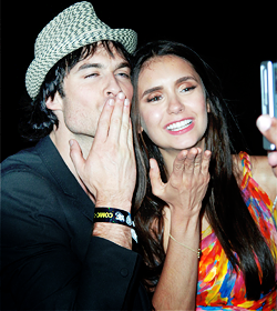 Nina Dobrev and  Ian Somerhalder. - Page 5 Tumblr_loukhndweT1qkaq8to1_250