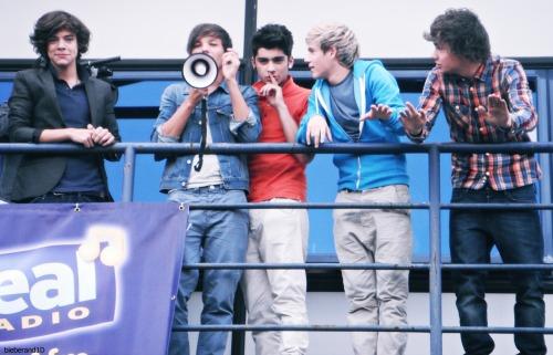 One Direction[2]. - Page 2 Tumblr_lq2ufukFOH1qchk8jo1_500