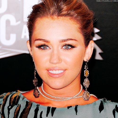 Miley Cyrus [2] - Page 6 Tumblr_lqsiyhGexw1qausrlo1_500