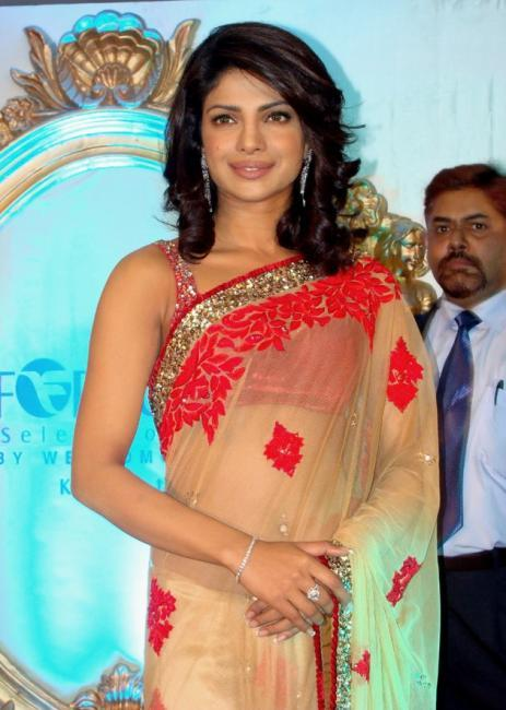 Priyanka Chopra - Stránka 3 Tumblr_lrsa0p73QZ1r2ngjdo1_500