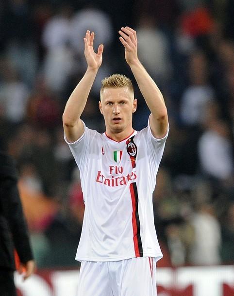 FC AC Milan. Tumblr_ltuwqq1fgY1qby504o1_500