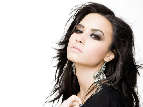 Demi Lovato  - Page 39 Tumblr_lu8qzqWn7a1r5szn3o1_500