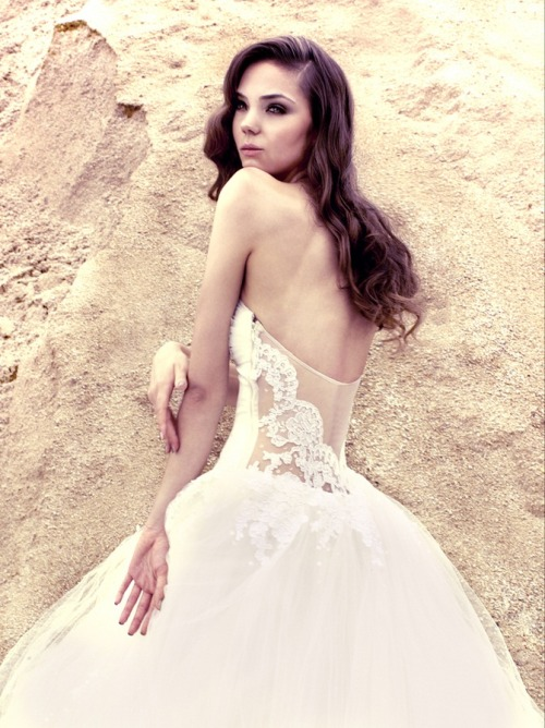 Wedding Dresses. - Page 6 Tumblr_lufu0uSGmi1qilv8so1_500