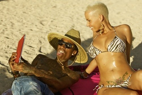 Wiz Khalifa and Amber Rose. - Page 2 Tumblr_lv378oA0Wo1qegkxno1_500