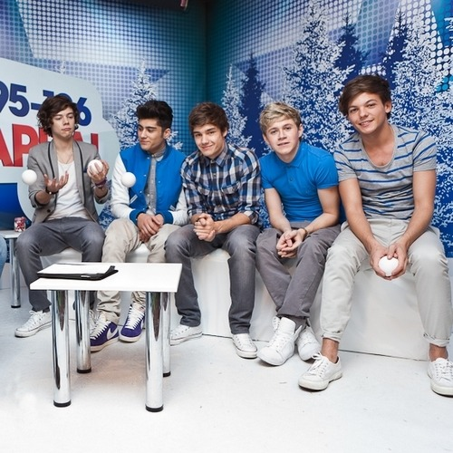 One Direction[3]. - Page 39 Tumblr_lvq9kt75Tj1r7rdclo1_500