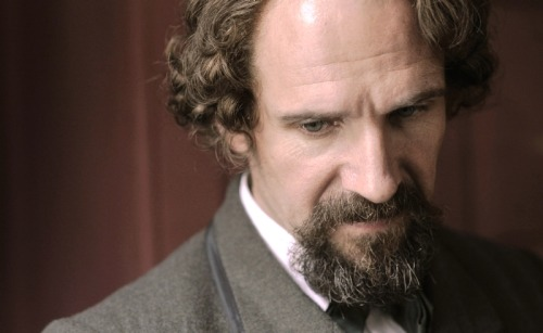 invisible - The Invisible woman : un nouveau biopic sur Charles Dickens (Ralph Fiennes) Tumblr_m489wbjzn01qgopjqo1_500