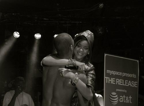 Chris Brown and Rihanna. - Page 2 Tumblr_m4a1h9hvH41r71wm1o1_500