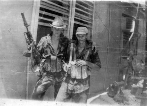 soldats soviétiques Tumblr_m4dr3v45OS1qbsnsoo1_500